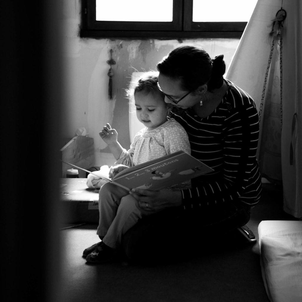 photographe lifestyle couple quotidien vie couple famille enfant bébé Valence drome montélimar