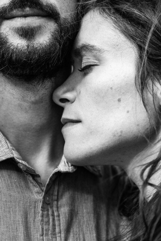 image d'amoureux noir et blanc drome